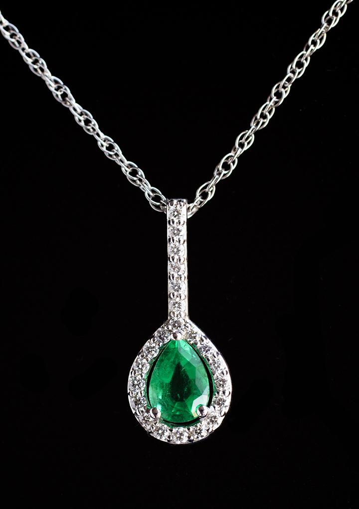 Emerald_Necklace_teardrop